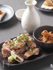 鶏ももおろしポン酢と皮せんべい