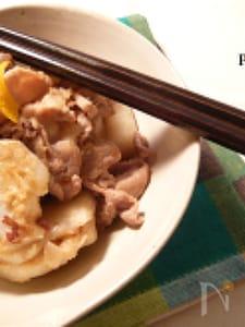【280Kcal】豚コマ肉とサトイモのにんにくバター醤油炒め
