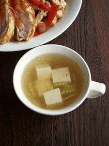 サッパリすっきり優しい味のタイスープ、ゲーンチュートーフー