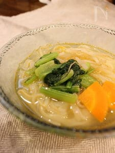 えびだしで作るタイ風セロリのスープ