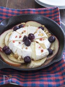 フルーツとカマンベールのグリル焼き