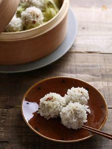 れんこんとクコの実のもち米肉団子