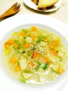 【デトックスレシピ】野菜だしで作る丸麦スープ。