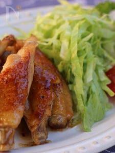 鶏のスペアリブ、照り焼きゆず胡椒風味