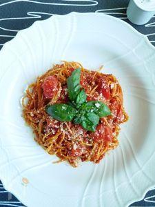 4つのタイプのトマトでノンオイルトマトスパゲッティ