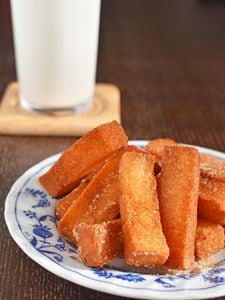 【余った食パンで揚げパン】シナモンシュガー風味