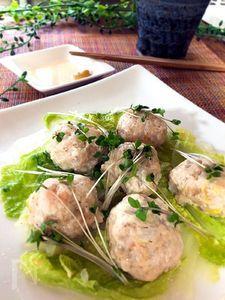白菜と食べる♪鶏ひき肉とエビの蒸し肉団子