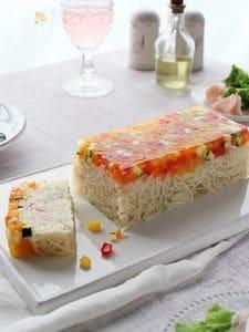 そうめんと夏野菜のキラキラゼリーケーキ