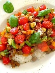 焼肉のタレでカラフル野菜と鮪のラグー丼