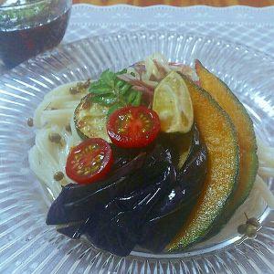 山椒がピリッと、酢橘がで爽やか夏野菜の冷やしうどん
