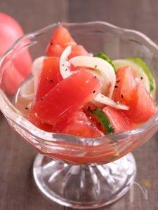 酢玉ねぎでトマトのマリネ
