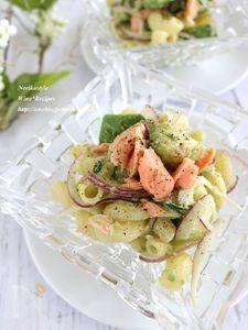 鮭とアボカドのマカロニサラダ