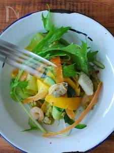 魚介と野菜のマリネ、パスタ仕立て。