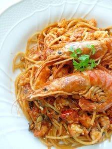 エビの旨味たっぷりトマトクリームスパゲッティ