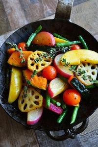 秋野菜とりんごの ホッと♪サラダ