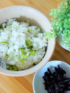 雑魚と万願寺唐辛子の炊き込みご飯