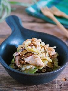 レンジ&ワンボウルで♪『蒸し鶏とキャベツの梅塩こんぶ和え』