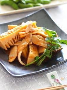 筍と豚トロのチリソース炒め