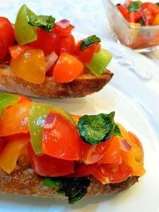 カラフルトマトのブルスケッタ