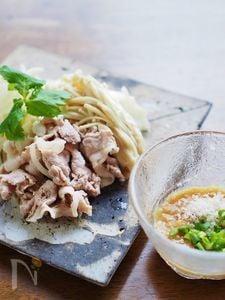 豚肉と野菜の茹シャブ★パルミジャーノ・チーズ味噌ダレ