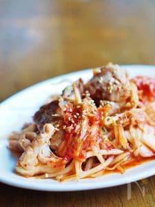 鶏肉とキムチともやしの炒め物