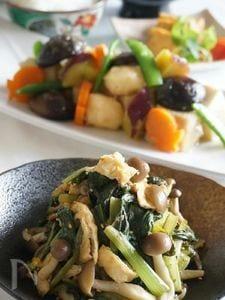 素材の旨味が引き立つ、きのこと小松菜の煮浸し