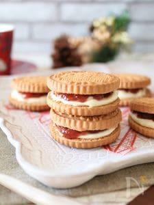 チーズといちごのジャムサンドクッキー