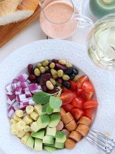 チョリソーと蒸し豆とお野菜のメキシカンサラダ