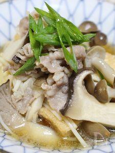 キノコたっぷり肉豆腐