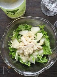 梨と蒸し鶏の塩ダレサラダ