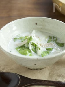 レタスとハムの中華風ミルクスープ