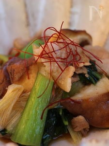小松菜と豚ばら肉のピリ辛オイスター炒め