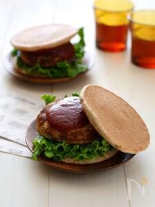 おからハンバーグライ麦パンケーキサンド