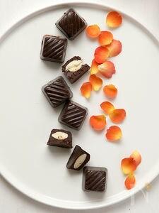 メープルとアーモンドのローチョコレート