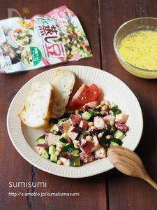 タコときゅうりの中華風ピリ辛スプーンサラダ