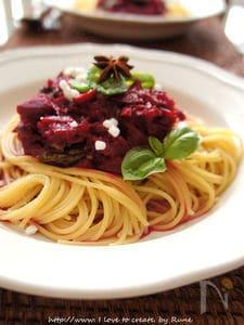 ビーツソースのトマトスパゲッティ