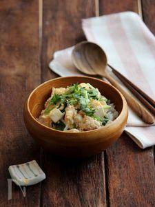 鶏と豆腐の卵とじ丼。