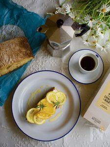 """朝食スモーブロー""""オレンジとレモンの薄切りマーマレード"""""""