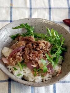 エスニック牛丼(カフェ風を意識してみる)