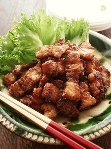 ピリッと辛くてさっぱり酸味♪豚ばら肉のカリカリ揚げ