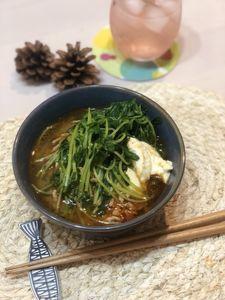 キッチンバサミで簡単!!豆苗のピリ辛鍋