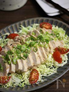 レンジ調理で簡単♪しっとり柔らかな鶏むね肉のめんつゆマヨ蒸し