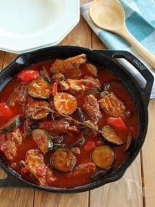 スペアリブと夏野菜のトマト煮込み