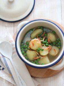 メークインとお豆の桜エビスープ煮。