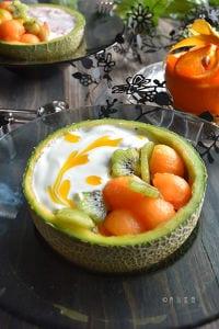 バナナヨーグルトスムージーボウル と 季節のフルーツ