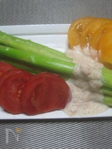 アスパラガスの3色サラダ