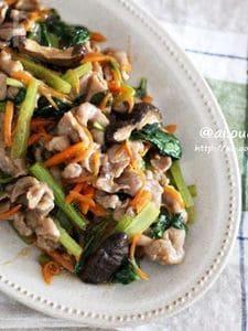 肉だけじゃおかずが足りない♡野菜たっぷりオイスター生姜焼き♡