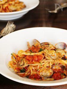 <コチュジャンが決め手>アサリのピリ辛トマトパスタ