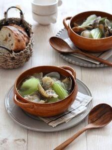 アサリとセロリのガーリックスープ。