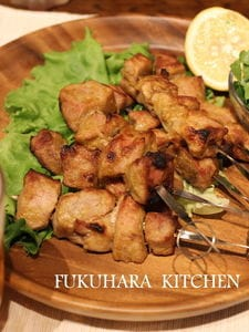 豚ヒレ肉で作るタイ風串焼き サテ